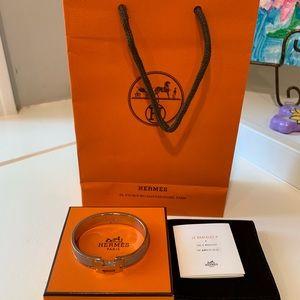 💯 Hermes Clic H bracelet PM
